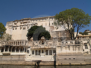 Rajput Style City Palace By Lake Pichola Stock Image - Image: 8399991