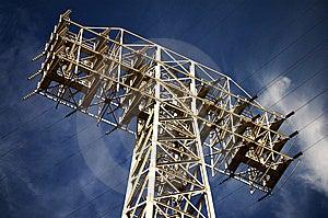 Lignes électriques De Tension élevée Images libres de droits - Image: 8400049