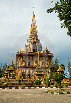 Wat Chalong Temple Midday View Stock Images - Image: 8412254