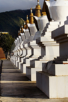 Day View Of Stupa At Deqin Yunnan Province China Royalty Free Stock Image - Image: 8419816