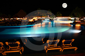 A Luxury All Inclusive Beach Resort At Night Stock Photos - Image: 8424903