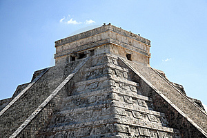 The Temples Of Chichen Itza Temple In Mexico Stock Photography - Image: 8424932