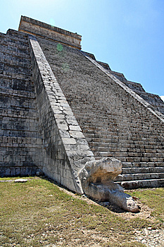 The Temples Of Chichen Itza Temple In Mexico Stock Image - Image: 8424951