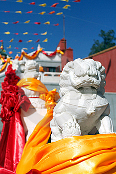 Chinese Guardian Lions In Front Of The Temple Stock Images - Image: 8459784