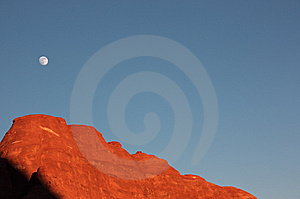 Sunset And Moonrise In The Arches National Park Royalty Free Stock Photography - Image: 8465597