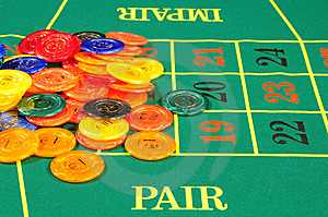 Large Group Of Chips On Green Baize Royalty Free Stock Images - Image: 8487939