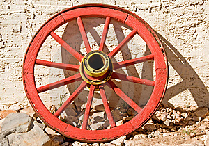 Red Wagon Wheel Royalty Free Stock Photos - Image: 8490958