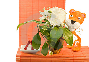 Hand Made Orange Knitted Tiger Royalty Free Stock Images - Image: 8497309