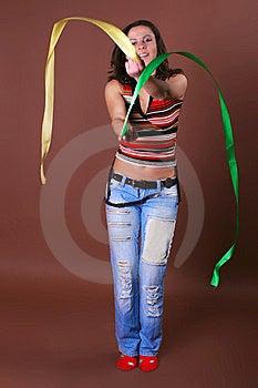 La Muchacha Hermosa Joven Durante Ocio Activo Fotografía de archivo libre de regalías - Imagen: 8498077