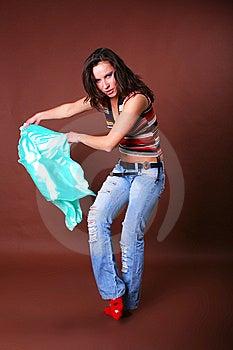 La Jeune Belle Fille Pendant Des Loisirs Actifs Photographie stock libre de droits - Image: 8498167