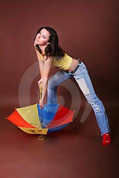 有效的美丽的女孩休闲年轻人 免版税图库摄影 - 图片: 8498247