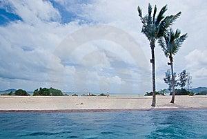 Edgeless Swimming Pool Royalty Free Stock Photo - Image: 8520535
