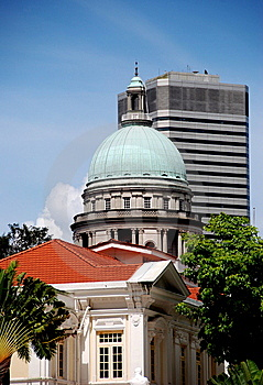 Singapore:  Arts House And Supreme Court Dome Stock Image - Image: 8531051