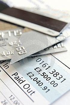 Corte Acima O Cartão De Crédito Imagem de Stock Royalty Free - Imagem: 8550306