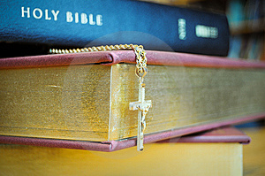 Holy Bible With Cross Royalty Free Stock Photography - Image: 8554247