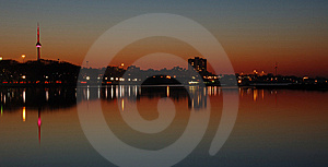 Cracking Dawn - Toronto  Royalty Free Stock Photography - Image: 8577797