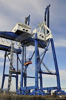 Containerbahnhof 50-Tonnen-Behälterkräne Stockfotografie - Bild: 8580432