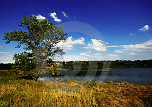 Lake & Sky Royalty Free Stock Image - Image: 8584846