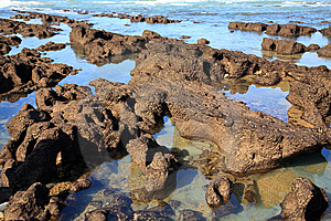 比亚利兹岩石 免版税库存照片 - 图片: 8605415