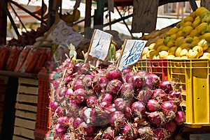 Onions At The Farmer's Market Stock Photography - Image: 8609002