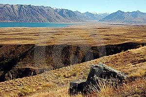 Felsen Und Schlucht Am See Tekapo Lizenzfreies Stockbild - Bild: 8609456