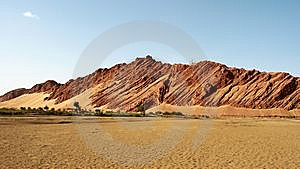 Mountain In Desert Royalty Free Stock Photos - Image: 8610798