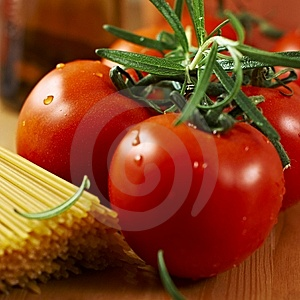 Tomatoes And Spaghetti Royalty Free Stock Image - Image: 8614726
