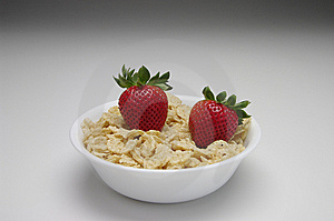 Strawberries With Cereal In A White Bowl Stock Photos - Image: 8618423