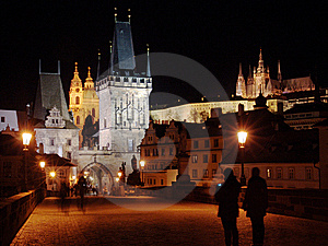 Charles Bridge In Prague With Castle In The Night Royalty Free Stock Photos - Image: 8627028
