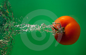 Tomato In Water Royalty Free Stock Photography - Image: 8627427