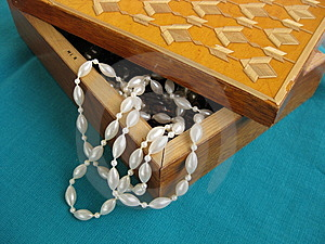 Bead In Small Box Stock Images - Image: 8631224