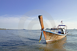 Boat At The Beach. Royalty Free Stock Photos - Image: 8631858