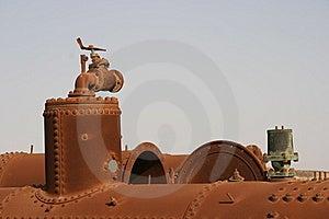 Herramientas Viejas En El Deser Foto de archivo - Imagen: 8643170