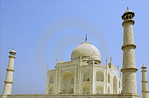 Side View Of The Taj Mahal Royalty Free Stock Photography - Image: 8647327