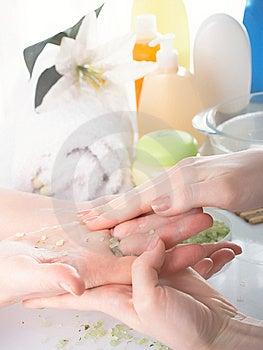 Vrouwelijke Handen Royalty-vrije Stock Afbeelding - Afbeelding: 8647816