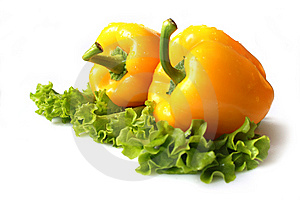 Yellow Sweet Pepper With Lettuce Royalty Free Stock Image - Image: 8649076