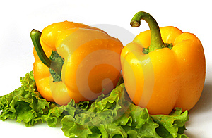 Yellow Sweet Pepper With Lettuce Royalty Free Stock Image - Image: 8649106