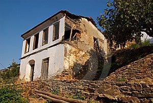 Abandonado Em Casa Foto de Stock - Imagem: 8651000