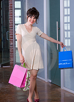 Attractive Young Woman Shopping Royalty Free Stock Photos - Image: 8651228