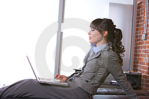 Business Woman In Modern Office Royalty Free Stock Images - Image: 8651969