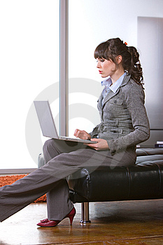 Business Woman Modern Office Royalty Free Stock Images - Image: 8652219