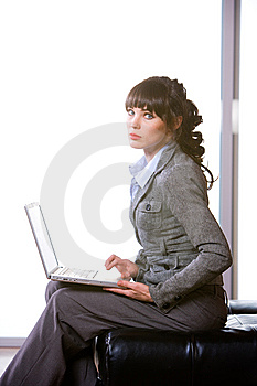 Business Woman Modern Office Royalty Free Stock Images - Image: 8652269
