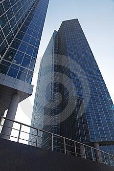 Modernes Industriegebäude Lizenzfreie Stockbilder - Bild: 8659329