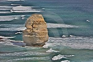 Una Singola Formazione Rocciosa Di Dodici Apostoli Fotografia Stock - Immagine: 8661540