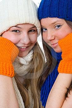 Duas Meninas Atrativas Fotografia de Stock - Imagem: 8661572