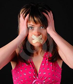 Vrouw Met Kruis Op Haar Mond Royalty-vrije Stock Foto's - Afbeelding: 8662028