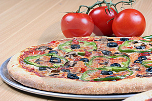 Vegetable Pizza With Tomatoes Stock Photos - Image: 8662593