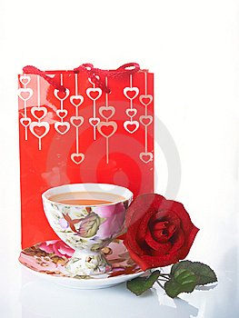 Rose Y Taza Imagenes de archivo - Imagen: 8663064