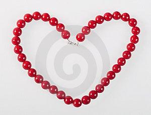Herz Von Den Roten Karnevalperlen Lizenzfreies Stockfoto - Bild: 8663145