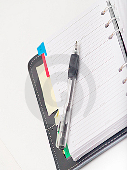 Büro Stationär - Stift Und Tagebuch Auf Weiß Stockbild - Bild: 8663551